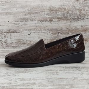 🔴8 Wide Like New Comfort Plus Brown Croc Loafer